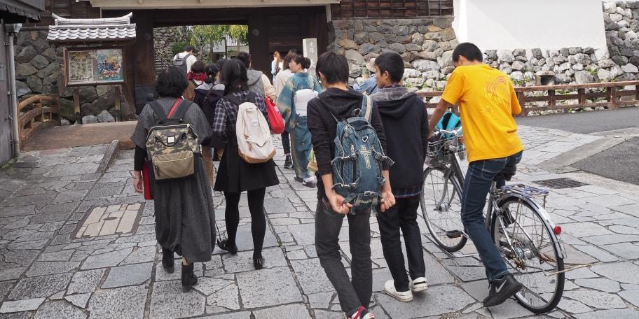 親子でプチ国際交流 !! 留学生と大垣まち巡り